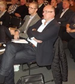Först lämnade skolchefen Göran Hedström (närmast) och nu går grundskolechefen Tobias Åsell. ( Arkivbild)
